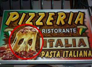 Subliminal pizza ambalajı Peynir, kurukafaya benzetilmeye çalışılmış.